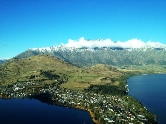 Air Milford : Remarkables Mountains