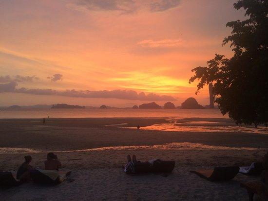 Amari Vogue Krabi: Amazing sunsets every night