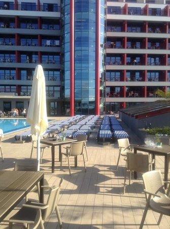Four Views Monumental Lido: The pool area