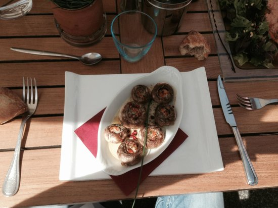 Cafe du midi : Champignons farcis beurre maitre d'Hôtel et écrevisse...Très bon !