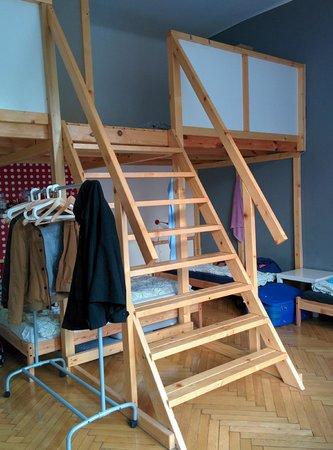 Hipster Hostel: 10 bed Polka Dot Room