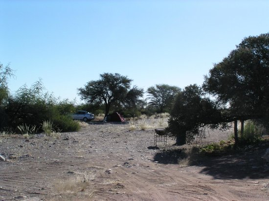Namib Desert Lodge: Campsite 10 (right), 11 (middel) and 12 (far distance)