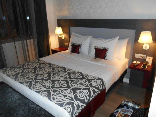 Hotel Palazzo Zichy: chambre