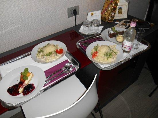 Hotel Palazzo Zichy: diner livré en chambre
