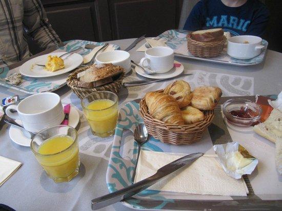 Hotel Restaurant Spa Verte Vallee : Petit déjeuner