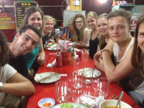 Hi Restaurant: 10 of us tucking in!