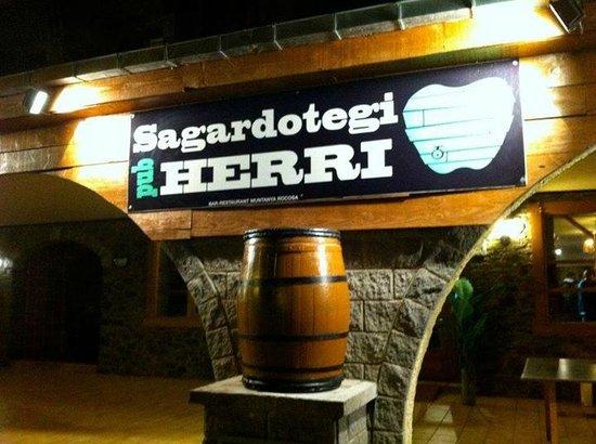 "Sagardotegi-Pub Herri: SAGARDOTEGI-PUB ""HERRI"""