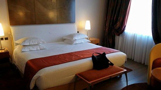Regent Petite France & Spa: Comfy bed
