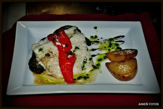 Sagardotegi-Pub Herri: bacalao a la brasa con pimientos asados