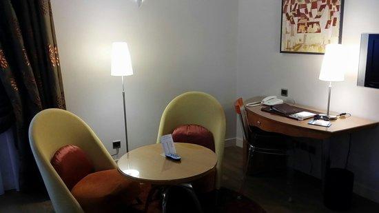 Regent Petite France & Spa: Comfy chairs