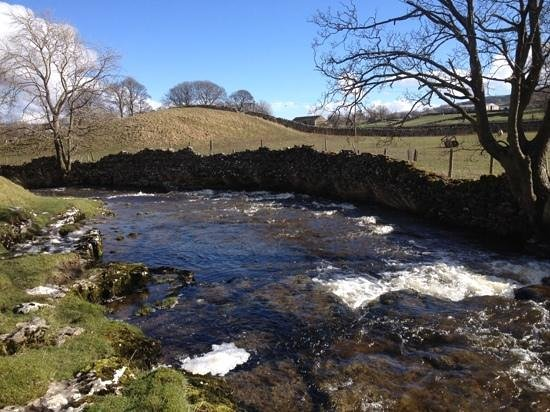 Wensleydale Creamery : the beautiful Gayle Beck behind the Creamery & on the Pennine Way