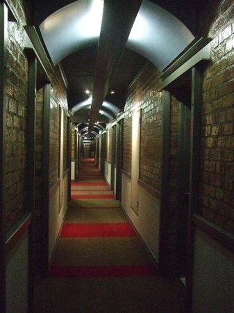 Protea Hotel by Marriott Cape Town Victoria Junction: hallway