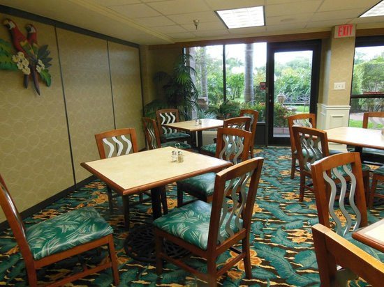Best Western Plus Siesta Key Gateway: sala colazione