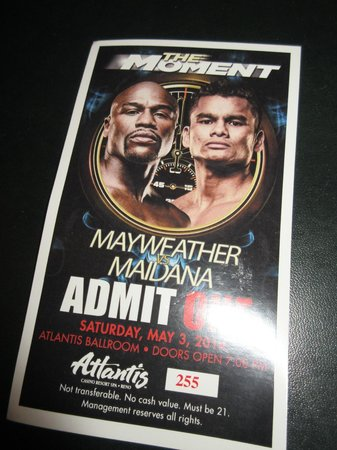 Atlantis Casino Resort Spa: Great Viewing Party at Atlantis Casino, Reno for Mayweather-Maidana Fight May 2014 (Mayweather w