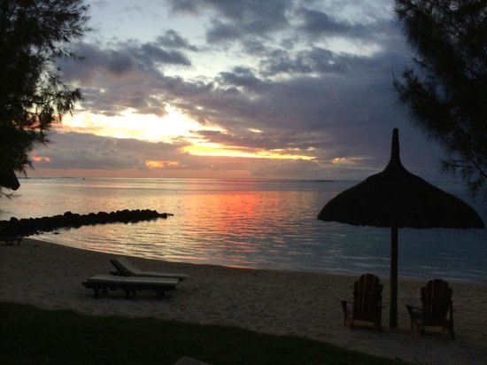 Paradis Beachcomber Golf Resort & Spa: Sunset im Le Paradis