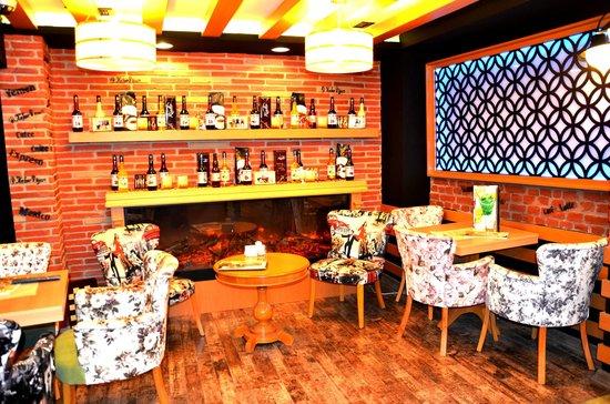 Best Nobel Hotel: lobby cafe
