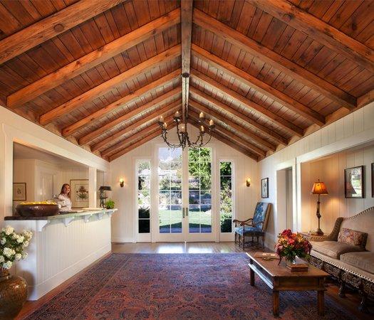 San Ysidro Ranch, a Ty Warner Property: Hacienda Reception Desk