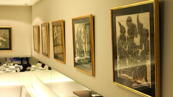 Manee Thai: Buddha Lithographies from Rudolf Hampe are decorating the walls