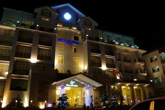 TTC Hotel Premium - Ngoc Lan: la façade