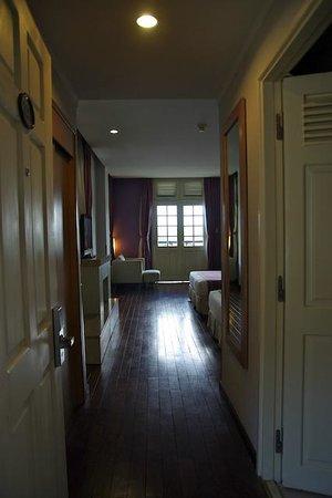 Ngoc Lan Hotel: chambre 323