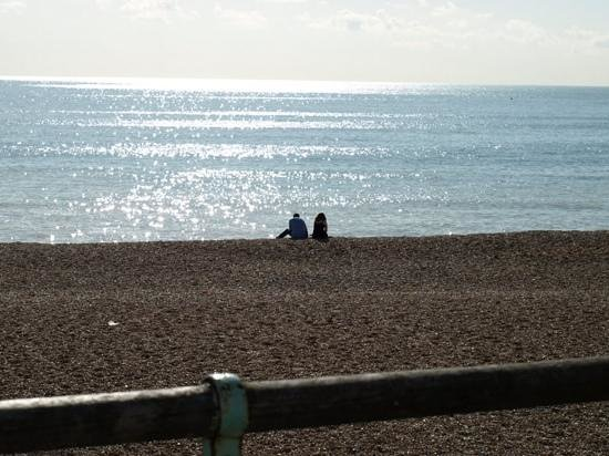 Brighton Pier - Undercliff Walk : yes you can relax and find space