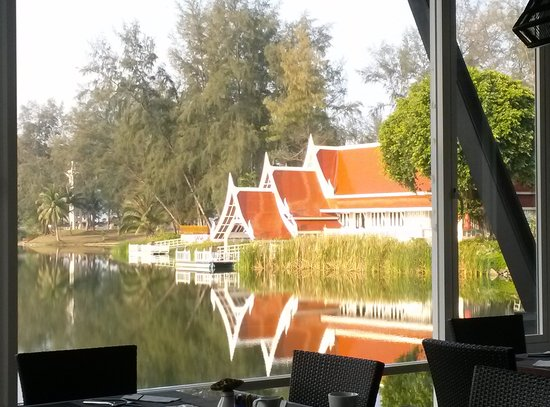 Angsana Laguna Phuket: Nice peaceful view at restaurant.