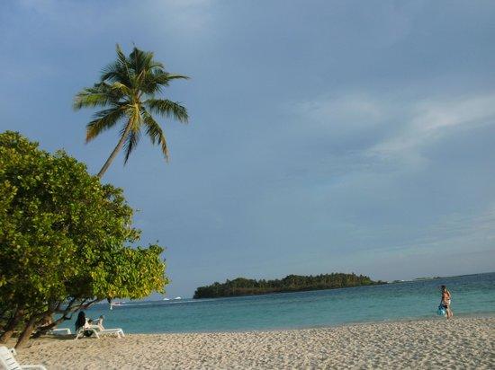 Biyadhoo Island Resort: Strand NachbarInsel