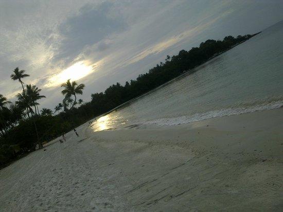 Nirwana Gardens Mayang Sari Beach Resort : Beach 2 - South China Sea
