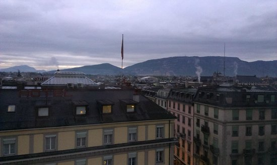 Warwick Geneva : View in the evening