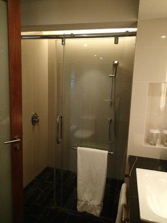 Radisson Blu Cebu: Rain shower