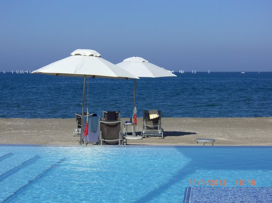 Millennium Resort Mussanah: Blue bliss at the Millennium