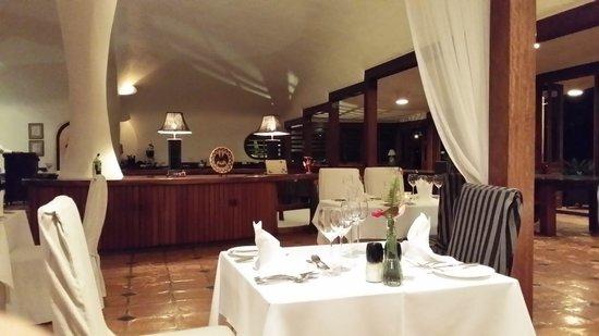 The Cave House at Mount Hartman Bay Estate: Ein schönes Restaurant