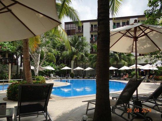 ibis Phuket Patong: Внутренняя зона отеля