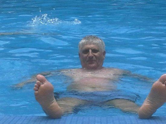 ibis Phuket Patong: Я в басейне