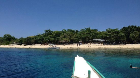 Oasis Resort: pristine blue water and beach