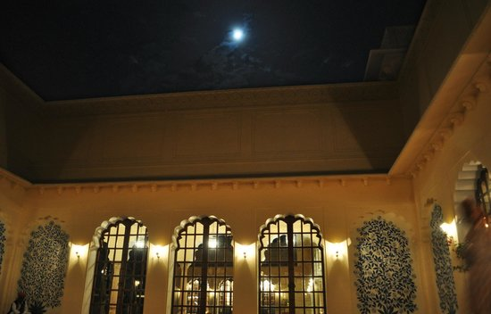 The Oberoi Vanyavilas : Central Courtyard for Dining