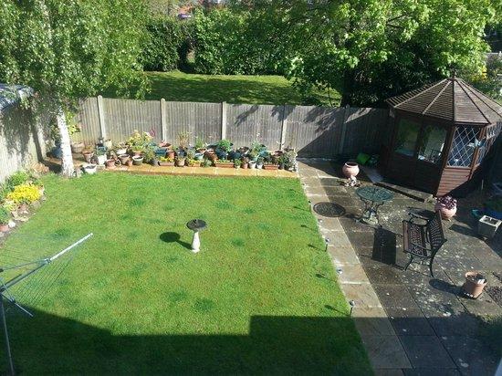 Masslink Guest House: garden