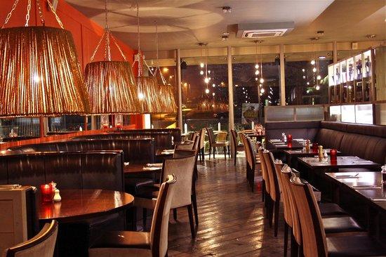 la dolce vita sandyford sandyford industrial est restaurant bewertungen telefonnummer. Black Bedroom Furniture Sets. Home Design Ideas