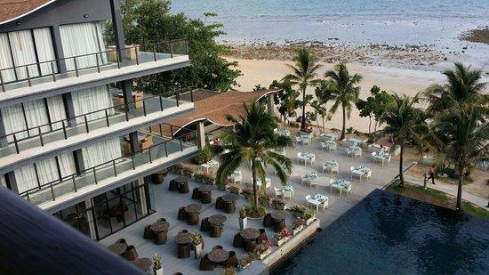 Beyond Resort Krabi: Dining by the beach