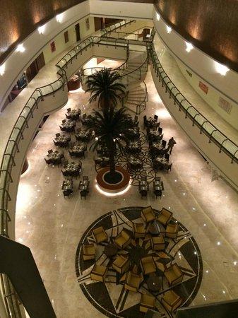 Khalidiya Palace Rayhaan by Rotana: Horizon Restaurant from the 3rd floor.
