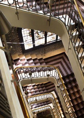 Le Royal Monceau-Raffles Paris: Le Royal Monceau Raffles Paris - Staircase 1