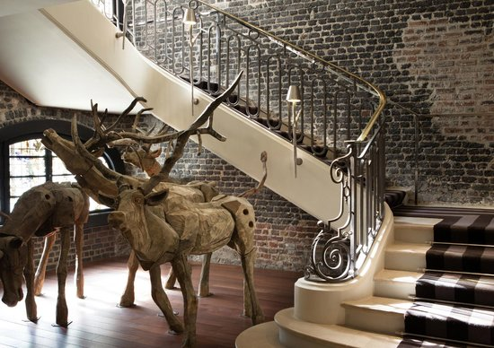 Le Royal Monceau-Raffles Paris: Le Royal Monceau Raffles Paris - Staircase 3
