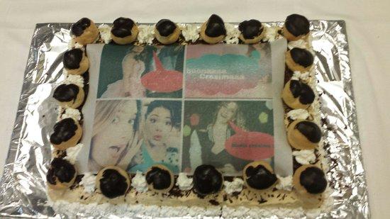 Convivium: Foto torta fatta da loro x la mia Cresima !