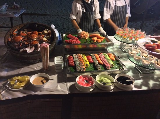 Layana Resort and Spa : Amazing food on the beach bbq evening