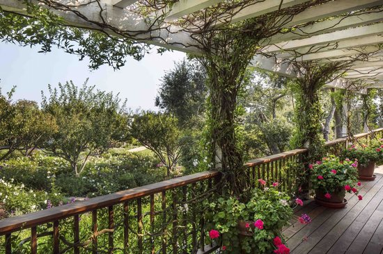 San Ysidro Ranch, a Ty Warner Property : Guest Cottage Patio