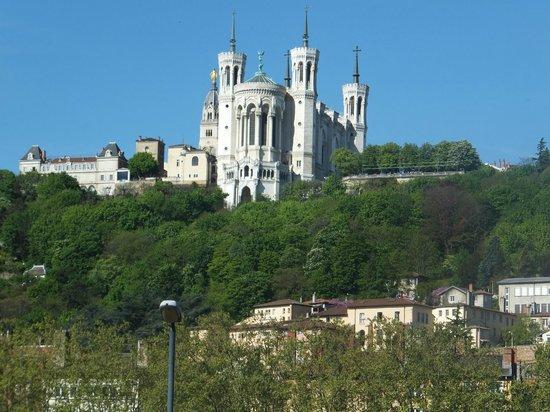 Les Demeures de Morphee: The Basilica