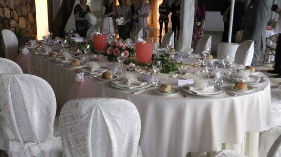Tui Sensimar Grand Hotel Nastro Azzurro: The Table prepared for the wedding dinner