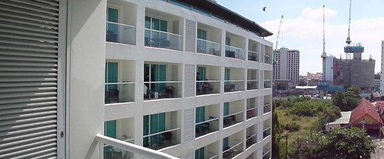 Centara Pattaya Hotel: balcany