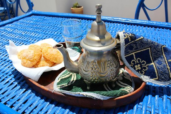 Dar Al Bahar : Tea on the terrace