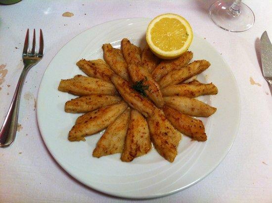 Cafe Restaurant des Voyageurs: perches du Leman